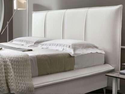 dettaglio del letto itaca contenitore bianco
